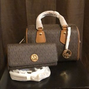 Michael Kors, Aria Small Satchel